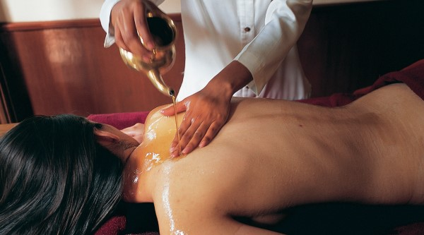 Ayurveda treatment at Ananda in India