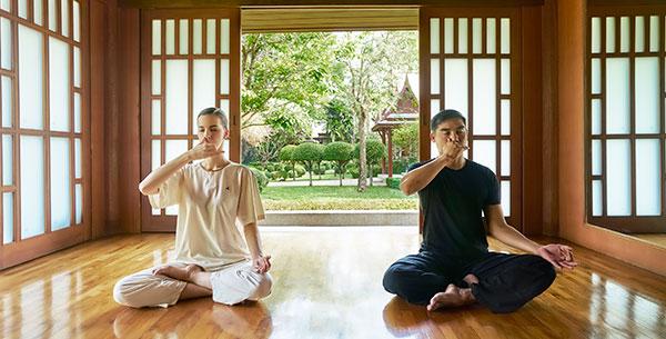 chiva som yoga