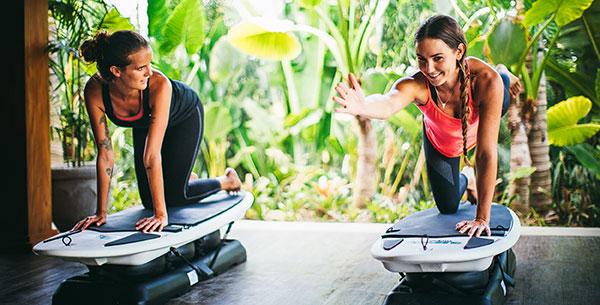 Komune Bali board yoga