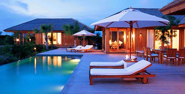 Parrot Cay Sun lounger night luxury